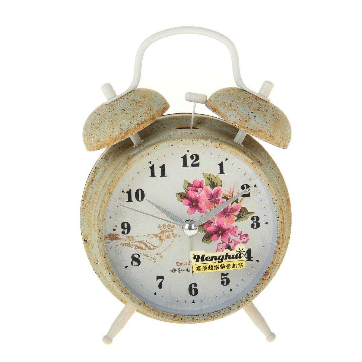 Часы-будильник Sima-land. 906612FA-2421-6 BlackКак же сложно иногда вставать вовремя! Всегда так хочется поспать еще хотя бы 5 минут и бывает, что мы просыпаем. Теперь этого не случится! Яркий, оригинальный будильник Sima-land поможет вам всегда вставать в нужное время и успевать везде и всюду. Время показывает точно и будит в установленный час. Будильник украсит вашу комнату и приведет в восхищение друзей. На задней панели будильника расположены переключатель включения/выключения механизма и два колесика для настройки текущего времени и времени звонка будильника. Также будильник оснащен кнопкой, при нажатии и удержании которой, подсвечивается циферблат.Будильник работает от 1 батарейки типа AA напряжением 1,5V (не входит в комплект).