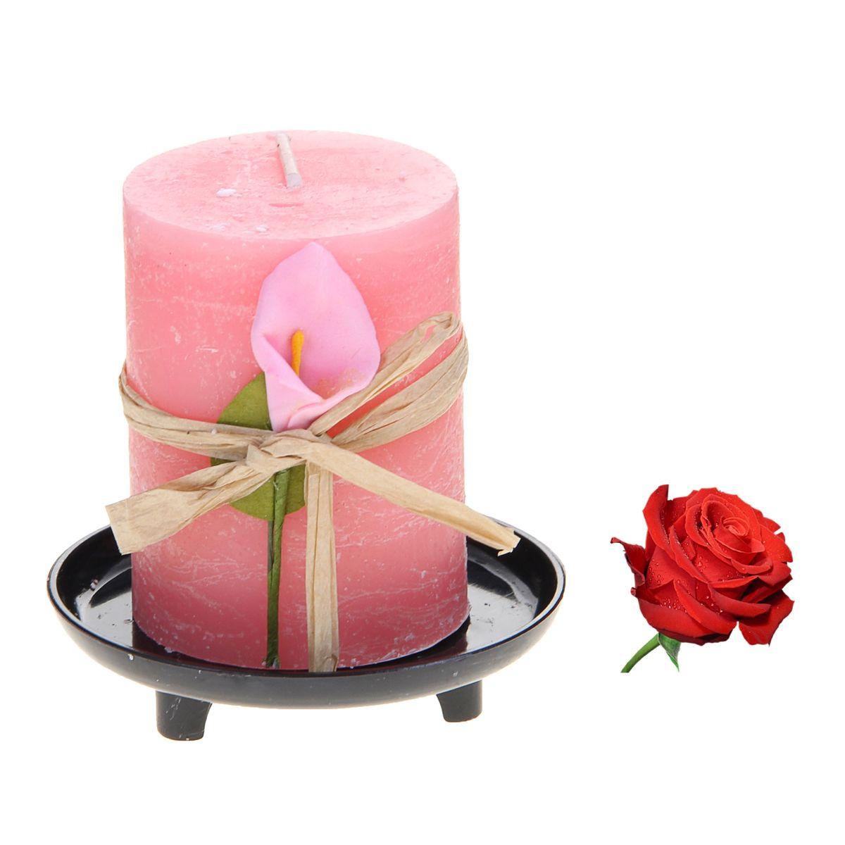 Свеча ароматизированная Sima-land Роза, на подставке, высота 6 см907698Свеча Sima-land Роза выполнена из воска в виде столбика. Свеча порадует ярким дизайном и насыщенным ароматом розы, который понравится как женщинам, так и мужчинам. Изделие размещено на оригинальной пластиковой подставке.Создайте для себя и своих близких незабываемую атмосферу праздника в доме. Ароматическая свеча Sima-land Роза раскрасит серые будни яркими красками.Высота свечи (без учета подставки): 6 см. Высота подставки: 1,5 см.