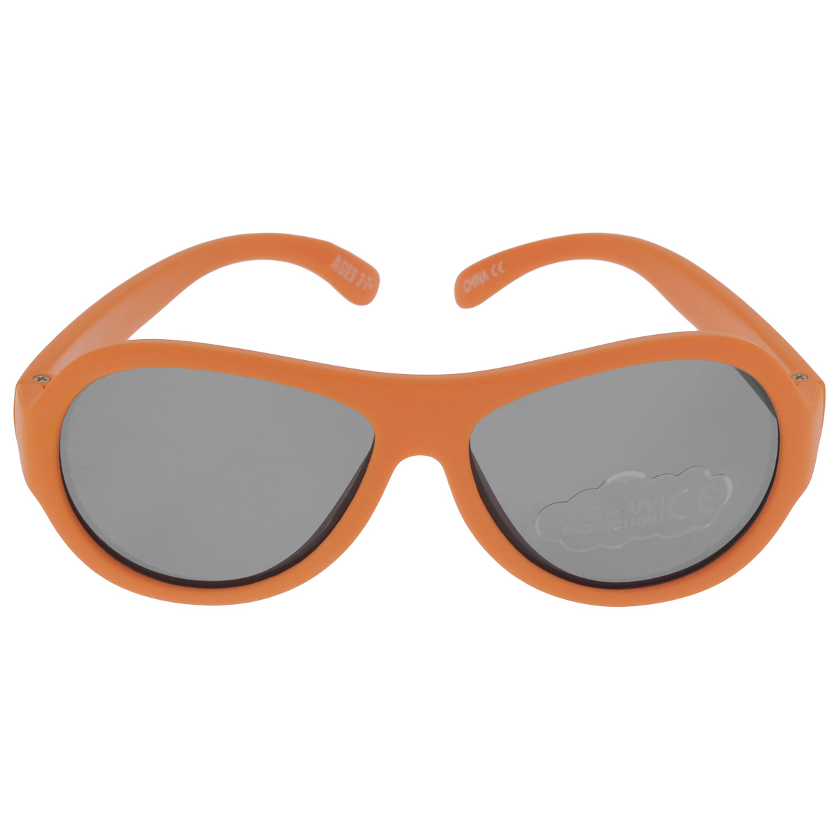 Детские солнцезащитные очки Babiators Ух ты! (OMG!), цвет: оранжевый, 3-7 лет1900671-5605Вы делаете все возможное, чтобы ваши дети были здоровы и в безопасности. Шлемы для езды на велосипеде, солнцезащитный крем для прогулок на солнце... Но как насчёт влияния солнца на глаза вашего ребёнка? Правда в том, что сетчатка глаза у детей развивается вместе с самим ребёнком. Это означает, что глаза малышей не могут отфильтровать УФ-излучение. Проблема понятна - детям нужна настоящая защита, чтобы глазки были в безопасности, а зрение сильным.Каждая пара солнцезащитных очков Babiators для детей обеспечивает 100% защиту от UVA и UVB. Прочные линзы высшего качества не подведут в самых сложных переделках. В отличие от обычных пластиковых очков, оправа Babiators выполнена из гибкого прорезиненного материала, что делает их ударопрочными, их можно сгибать и крутить - они не сломаются и вернутся в прежнюю форму. Не бойтесь, что ребёнок сядет на них - они всё выдержат. Будьте уверены, что очки Babiators созданы безопасными, прочными и классными, так что вы и ваш ребенок можете приступать к своим приключениям!