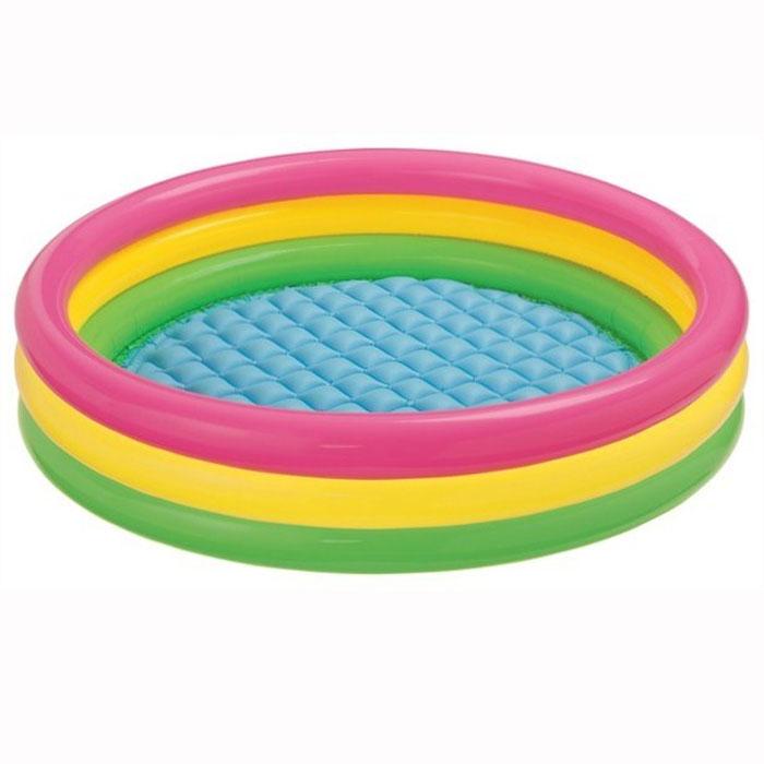 Бассейн надувной INTEX Sunset Glow Pool 147х33 см. (от 3-х лет)AS 25Детский надувной бассейн Радуга, выполненный в виде круга с разноцветными кольцами, идеально подойдет для детского отдыха на загородном участке. Бассейн изготовлен из прочного винила. Дно бассейна имеет удобный надувной пол. Оригинальный дизайн бассейна сделает его не только незаменимым атрибутом летнего отдыха, но и оригинальным дополнением ландшафтного дизайна участка. В комплект с бассейном входит специальная заплатка для ремонта в случае прокола. Характеристики:Размер бассейна: 147 см х 33 см. Размер упаковки: 25 см х 23 см х 9 см. Изготовитель: Китай.Отличительными особенностями товаров фирмы Intex являются качество, эстетичность, функциональность и современный дизайн. Продукция для отдыха и комфорта Intex - это надувные бассейны, каркасные бассейны, надувные игровые центры и батуты, аксессуары для плавания, надувные лодки, надувные матрасы и кровати.