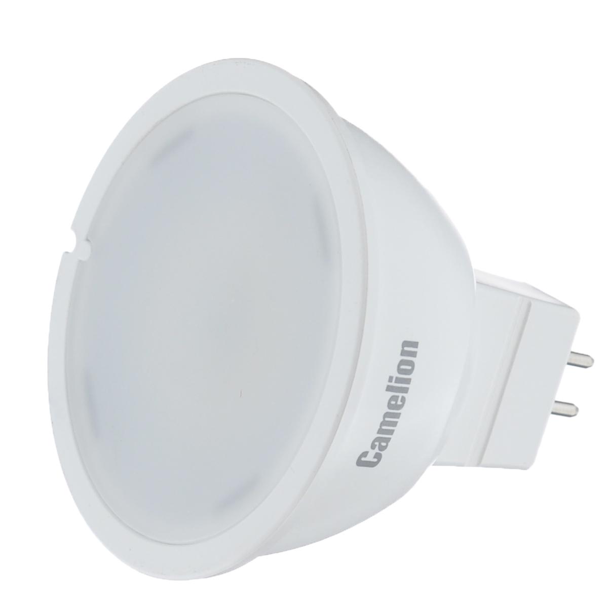 Светодиодная лампа Camelion Led, холодный свет, цоколь GU5.3, 6 WC0027371Светодиодная лампа Camelion Led Ultra применяется для замены энергосберегающей лампы или лампы накаливания в точечных и направленных источниках света. При этом она сэкономит ваши деньги за счет минимального потребления электроэнергии и долгого срока службы. Так же эта лампа обладает высоким индексом цветопередачи и не мерцает, что делает ее свет комфортным для глаз. Нагрев LED лампы минимален, что позволяет использовать ее в натяжных потолках и других конструкциях, требовательных к температурному режиму. При производстве светодиодных ламп не используются вредные вещества, в том числе ртуть, поэтому не требует утилизации. Рабочий диапазон напряжений - 220-240В / 50Гц. Индекс цветопередачи: 77+.Угол светового пучка: 100°.Цветовая температура: 4500 K.
