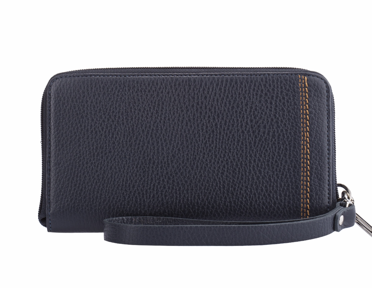 Портмоне мужское Fabula BROOKLYN, цвет: темно-синий. PM.45.BRS76245Стильное мужское портмоне Fabula BROOKLYN выполнено из натуральной кожи с зернистой текстурой. Изделие оформлено тиснением с названием бренда.Изделие закрывается на молнию, внутри размещены двенадцать накладных карманов для кредитных карт или визиток, средний карман для монет на молнии, два отделения для купюр и два накладных кармана. Изделие дополнено съемной кожаной ручкой.Такое портмоне станет отличным подарком для человека, ценящего качественные, стильные и практичные вещи.