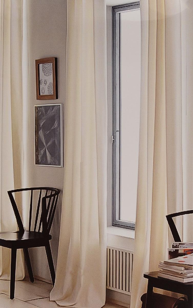 Штора готовая для гостиной Garden, на ленте, цвет: молочный, размер 300*260 см. CW191 V71002CW191 V71002Изящная тюлевая штора Garden выполнена из вуали (100% полиэстера). Полупрозрачная ткань, приятный цвет привлекут к себе внимание и органично впишутся в интерьер помещения. Такая штора идеально подходит для солнечных комнат. Мягко рассеивая прямые лучи, она хорошо пропускает дневной свет и защищает от посторонних глаз. Отличное решение для многослойного оформления окон. Штора крепится на карниз при помощи ленты, которая поможет красиво и равномерно задрапировать верх.