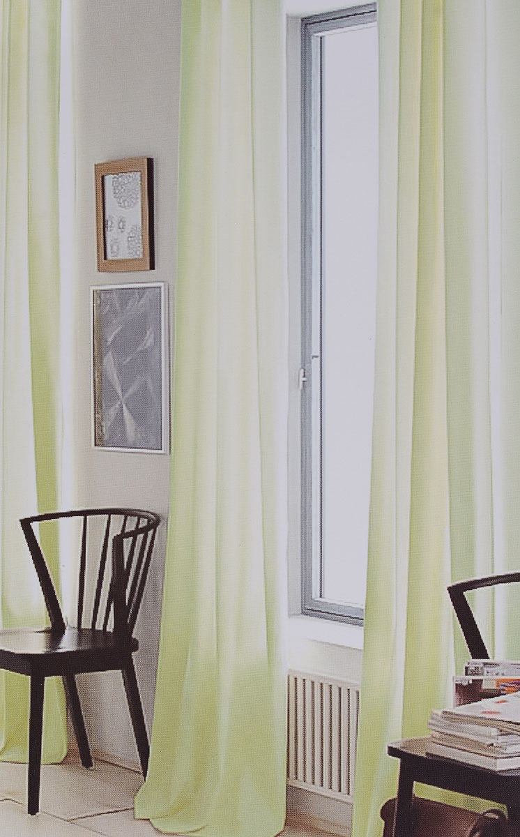 Штора готовая для гостиной Garden, на ленте, цвет: салатовый, размер 300*260 см. CW191 V73165K100Изящная тюлевая штора Garden выполнена из вуали (100% полиэстера). Полупрозрачная ткань, приятный цвет привлекут к себе внимание и органично впишутся в интерьер помещения. Такая штора идеально подходит для солнечных комнат. Мягко рассеивая прямые лучи, она хорошо пропускает дневной свет и защищает от посторонних глаз. Отличное решение для многослойного оформления окон. Штора крепится на карниз при помощи ленты, которая поможет красиво и равномерно задрапировать верх.