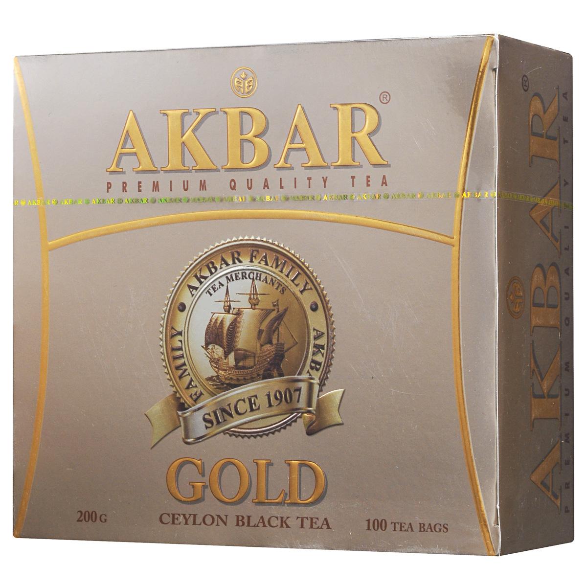 Akbar Gold черный чай в пакетиках, 100 шт0120710Как известно, чай быстро абсорбирует любые посторонние запахи. Поэтому в процессе его производства и упаковки максимум внимания уделяется строгому соблюдению применяемых технологий и используемым материалам. И это неудивительно, ведь дело касается такого уровня чая класса Premium как Akbar Gold, создаваемого экзотической природой горной Шри-Ланки с ее холодными туманами, муссонными дождями и жарким солнцем. Для изготовления чайных пакетиков применяется фильтровальная бумага, состоящая только из натуральных компонентов, которая никак не влияет на первозданный вкус чая.