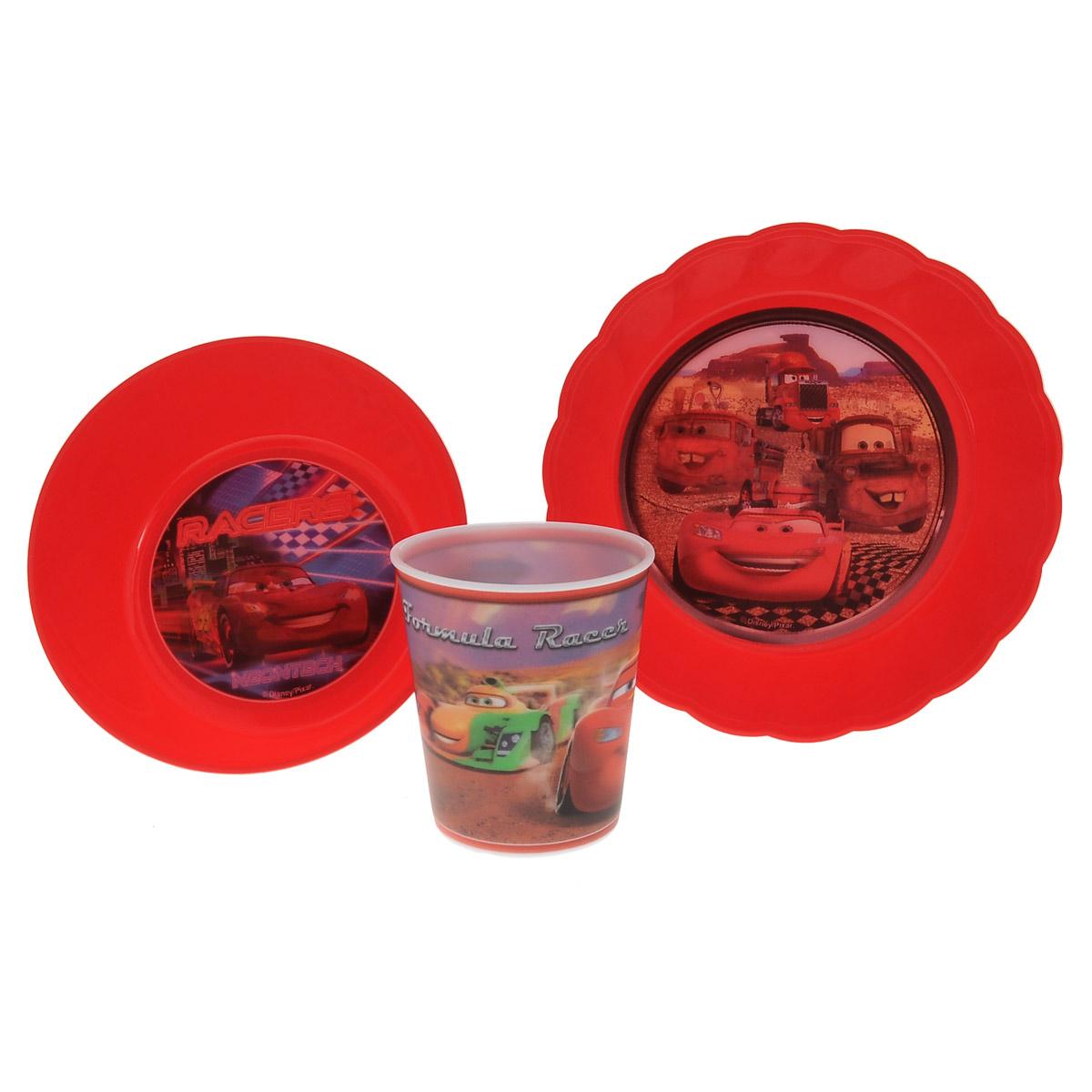 Набор детской посуды Disney Тачки, цвет: красный, 3 предмета. N3C1BK-410Набор детской посуды Disney Тачки состоит из стакана, салатника и тарелки. Посуда, выполненная из пищевого пластика, оформлена изображениями героев популярного мультфильма Тачки. Рисунки находятся под слоем прозрачного структурного пластика (линзы), создающего эффект объемного изображения, как в 3D кино, и исключающего попадание краски в жидкость. Небьющаяся посуда, красивая, легкая и удобная в уходе, прекрасно выдерживает горячую пищу. Ваш малыш с удовольствием будет кушать вместе с любимыми героями. Объем стакана: 260 мл. Высота стакана: 8,5 см. Диаметр стакана (по верхнему краю): 8 см. Диаметр салатника: 15 см. Высота салатника: 5 см. Диаметр тарелки: 18 см. Высота тарелки: 4 см.