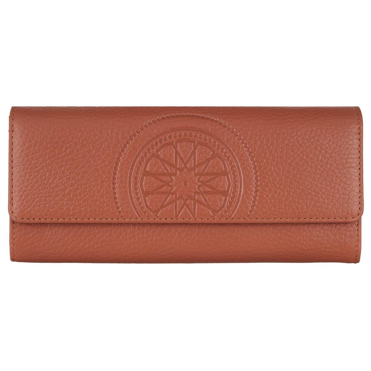 Кошелек женский Fabula Talisman, цвет: рыжий. PJ.97.SNADYHA03386-WBB0Стильный женский кошелек Fabula Talisman выполнен из натуральной кожи с зернистой текстурой, оформлен декоративным тиснением. Кошелек закрывается на кнопку, внутри расположены: четыре отделения для купюр, двенадцать накладных карманов для пластиковых карт или визиток и карман для монет на молнии. Кошелек оснащен дополнительным блоком для шести визиток, который закрывается на две кнопки. Такой кошелек станет прекрасным и стильным подарком человеку, любящему оригинальные и практичные вещи.