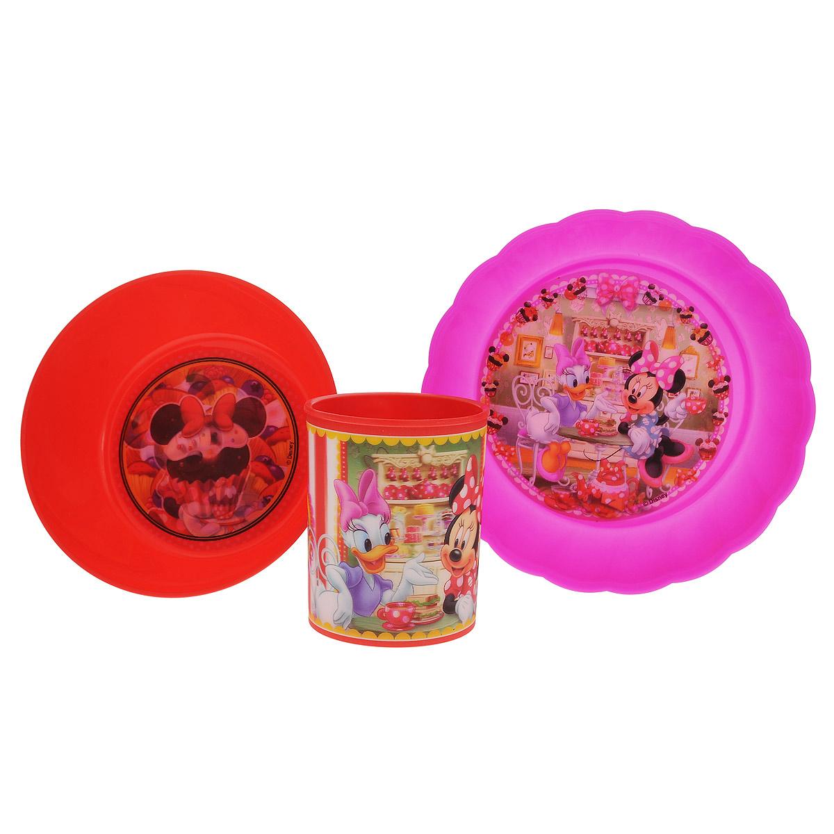 Набор детской посуды Disney Минни и Дейзи, цвет: красный, розовый, 3 предмета794003оранжевыйНабор детской посуды Disney Минни и Дейзи состоит из стакана, салатника и тарелки. Посуда, выполненная из пищевого пластика, оформлена изображениями героев популярного мультфильма Клуб Микки Мауса - Минни и Дейзи. Рисунки находятся под слоем прозрачного структурного пластика (линзы), создающего эффект объемного изображения, как в 3D кино, и исключающего попадание краски в жидкость. Небьющаяся посуда, красивая, легкая и удобная в уходе, прекрасно выдерживает горячую пищу. Ваш малыш с удовольствием будет кушать вместе с любимыми героями. Объем стакана: 325 мл. Высота стакана: 9 см. Диаметр стакана (по верхнему краю): 7,5 см. Диаметр салатника: 15 см. Высота салатника: 5 см. Диаметр тарелки: 18 см. Высота тарелки: 4 см.