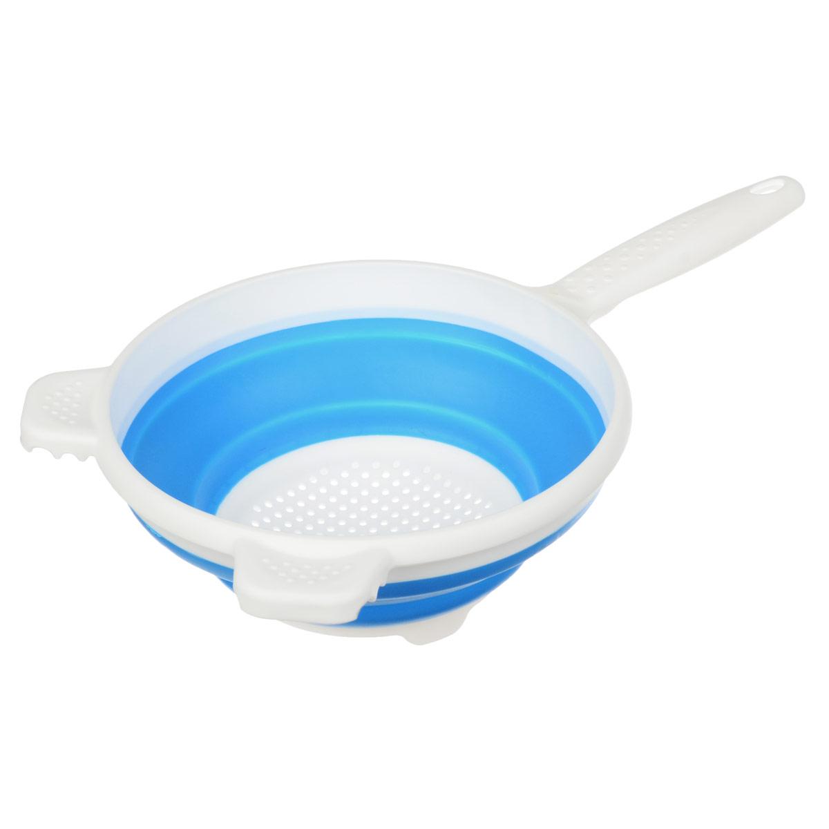 Дуршлаг складной Apollo, цвет: белый, голубой, диаметр 19,5 смCLD-01_белый, голубойСкладной дуршлаг Apollo станет полезным приобретением для вашей кухни. Он изготовлен из высококачественного пищевого силикона и пластика. Дуршлаг оснащен удобной эргономичной ручкой со специальным отверстием для подвешивания. Изделие прекрасно подходит для процеживания, ополаскивания и стекания макарон, овощей, фруктов. Дуршлаг компактно складывается, что делает его удобным для хранения.Не рекомендуется мыть в посудомоечной машине.Диаметр (по верхнему краю): 19,5 см.Максимальная высота: 8 см.Минимальная высота: 3 см.Длина ручки: 13 см.