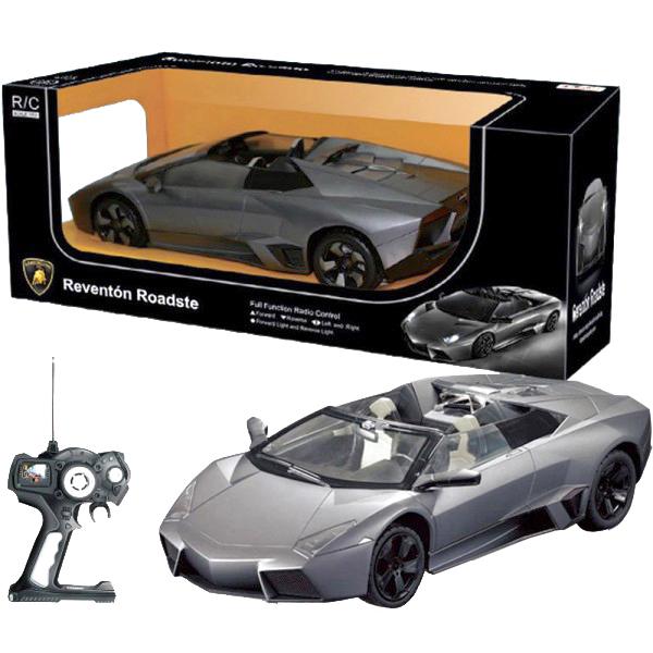 Машинка на радиоуправлении Lamborghini Roadster сделана в масштабе 1:14 от реального размера ее прототипа. Машинка выполнена в точности, как настоящая. Машинка едет вперед/назад, поворачивает вправо/влево. Машинкой легко управлять при помощи пульта дистанционного управления, работающего на расстоянии 15-45 метров. Машинка радиоуправляемая может развивать скорость до 12 км/ч. У машинки есть световой эффект: светят фары. Цвета в ассортименте, уточняйте у менеджера. Машинка работает от 5 батареек АА, пульт – от 1 батарейки Крона (в наборе нет). Размер: 44x18.5x17см. Для детей от 3-х лет.
