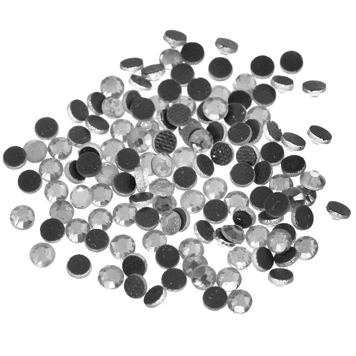 Стразы термоклеевые Cristal, цвет: белый (001), диаметр 4 мм, 144 штNN-612-LS-PLНабор термоклеевых страз Cristal, изготовленный из высококачественного акрила, позволит вам украсить одежду, аксессуары или текстиль. Яркие стразы имеют плоское дно и круглую поверхность с гранями.Дно термоклеевых страз уже обработано особым клеем, который под воздействием высоких температур начинает плавиться, приклеиваясь, таким образом, к требуемой поверхности. Чаще всего их используют в текстильной промышленности: стразы прикладывают к ткани и проглаживают утюгом с обратной стороны. Также можно использовать специальный паяльник. Украшение стразами поможет сделать любую вещь оригинальной и неповторимой. Диаметр стразы: 4 мм.