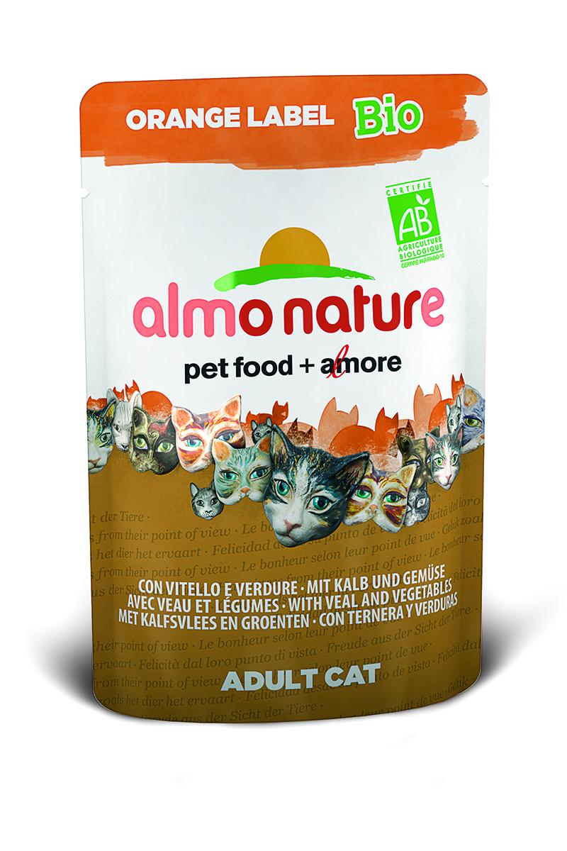 Консервы Almo Nature Orange Label, для кошек, с телятиной и овощами, 70 г0120710Консервы Almo Nature - премиум корм для взрослых кошек. Корм изготовлен только из свежих высококачественных натуральных ингредиентов, что обеспечивает здоровье вашей кошки. Не содержит ГМО, антибиотиков, химических добавок, консервантов и красителей.Состав: мясо телятины и ее производные (из которого 37% свежего мяса), овощи (морковь и зеленый горошек в собственном соку), злаки, минералы, витамин D3 - 275 МЕ/кг.Гарантированный анализ: белки 8,5%, клетчатка 0,8%, жиры 4,5%, зола 3%, влажность 82%.Калорийность - 793 ккал/кг. Товар сертифицирован.