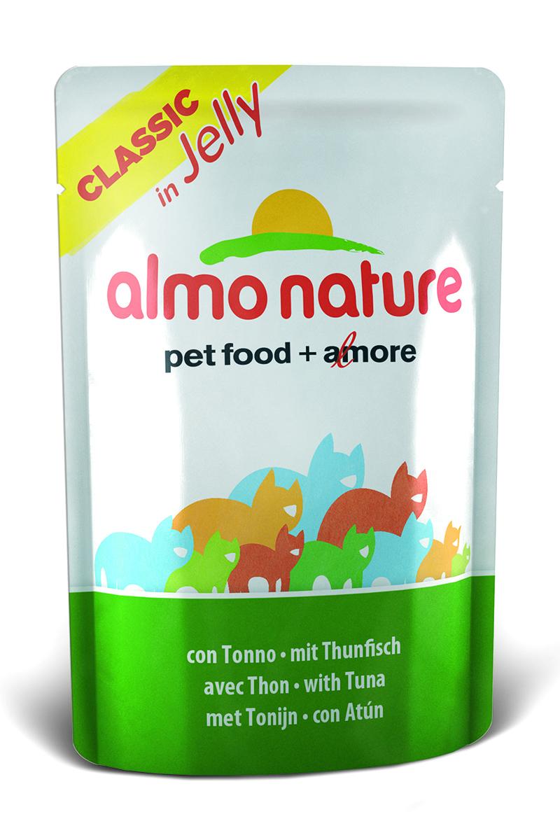 Консервы для кошек Almo Nature Classic, тунец в желе, 55 г0120710Консервы Almo Nature Classic - восхитительно вкусный функциональный влажный корм для кошек, содержащий желатин, который является натуральным средством для вывода шерсти из организма животного, помогающий защитить пищеварительный тракт от раздражения, а также он придает корму восхитительно нежную структуру. Консервы приготовлены из самых свежих отборных ингредиентов уровня Human Grade (качество как для людей), являющихся натуральным естественным источником витаминов и микроэлементов. Состав: тунец - 51%, рыбный бульон в желатине (желе) - 48,5%, рис – 0,5% Гарантированный анализ: белки – 12%, клетчатка - 1%, жиры - 0,3%, зола - 2%, влажность – 85%.Калорийность – 445 ккал/кг.Товар сертифицирован.
