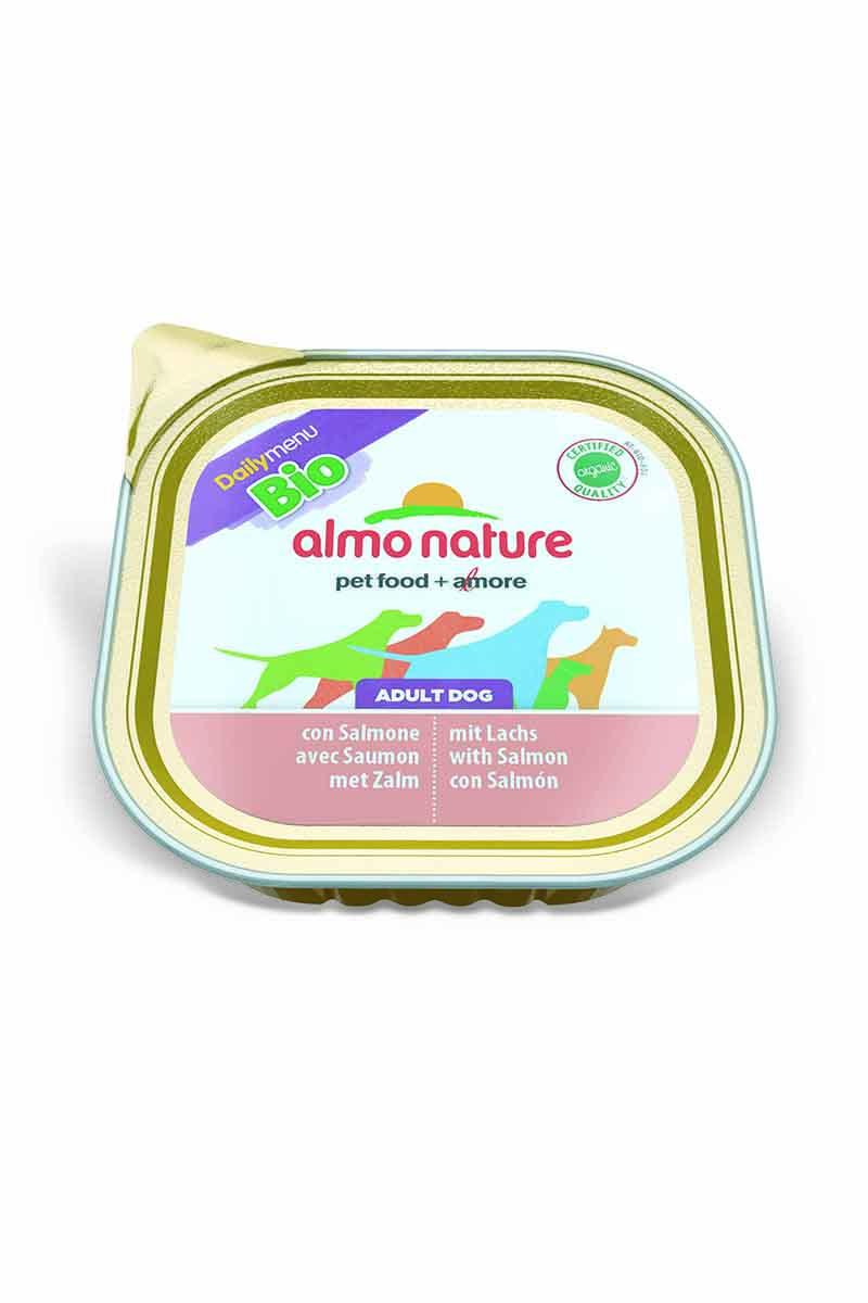 Паштет для собак Almo Nature Daily Menu , с лососем, 300 г0120710Паштет для собак Almo Nature Daily Menu изготовлены из отборных, гипоаллергенных и легко усвояемых ингредиентов. Содержат питательные, высококачественные продукты.Состав: рыба и ее производные 100% органический продукт (30% мяса лосося), мясо и его производные 100% органический продукт (30% мяса), минералы.Питательные добавки: Витамин Е 20мг/кг, медь (сульфат меди) 1мг/кг, цинк (оксид цинка) 20 мг/кг.Гарантированный анализ: белки 9,5%, клетчатка 0%, жиры 6,0%, зола 2,2%, влажность 82%.Калорийность: 890 ккал/кг.Товар сертифицирован.