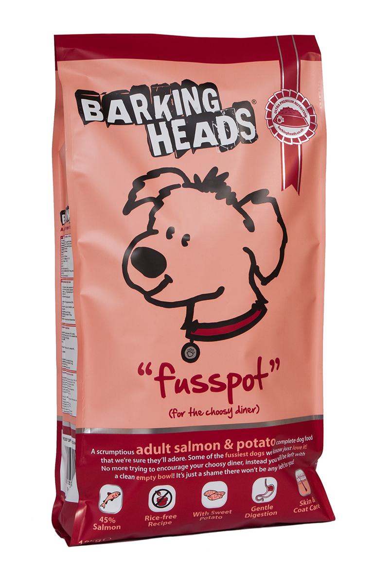 Корм сухой Barking Heads Суета вокруг миски, для собак, с лососем и картофелем, 12 кг37300Сухой корм Barking Heads - вкуснейший полнорационный корм для собак, специально разработанный, чтобы держать наших любимцев в наилучшей форме! Натуральные ингредиенты непременно понравятся вашему питомцу.Состав: свежеприготовленный лосось 26%, сладкий картофель, сушеный лосось, 14%, овес, картофель, лососевый жир 5%, подсолнечное масло, бульон из лосося 1,5%, морские водоросли, сушеный томат, забота о бедрах и суставах (глюкозамин 350 мг/кг, МСМ 350 мг/кг, хондроитин 240 мг/кг).Гарантированный анализ (%): белок 22%, содержание жира 16%, клетчатка 3%, зола 6,5%, влага 8%, Омега-6 3,6%, Омега-3 2,1%.Витамины (на кг): витамин А 16650 МЕ, витамин D3 1480 МЕ, витамин Е 460 МЕ.Комплекс микроэлементов (на гк): моногидрат сульфата железа 617 мг, моногидрат сульфата цинка 514 мг, моногидрат сульфата марганца 101 мг, пентагидрат сульфата меди 37 мг, безводный йодат кальция 4,55 мг, селенит натрия 0,51 мг.Товар сертифицирован.