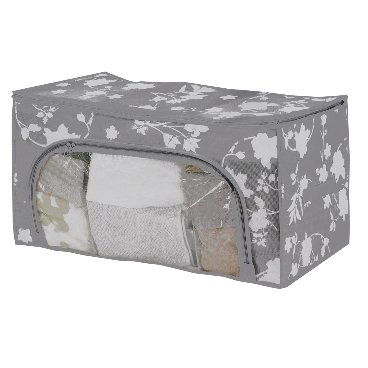 Кофр для хранения Цветочные мотивы, цвет: серый, 56 см х 36 см х 30 смFS-6528Кофр для хранения Цветочные мотивы изготовлен из высококачественного нетканого материала, который позволяет сохранять естественную вентиляцию, а воздуху свободно проникать внутрь, не пропуская пыль. Предназначен для хранения домашнего текстиля и одежды. Закрывается на молнию. Имеет прозрачное окошко из ПВХ на молнии, которое позволяет видеть содержимое. Благодаря специальным вставкам, кофр прекрасно держит форму, а эстетичный дизайн с красивым растительным узором гармонично смотрится в любом интерьере. Сбоку кофр оснащен ручкой. Мобильность конструкции обеспечивает легкое складывание и раскладывание.