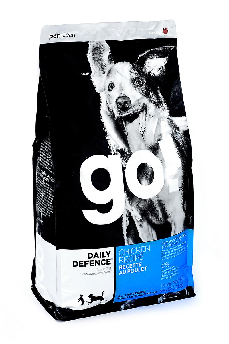 Корм сухой GO! Daily Defence для щенков и собак, с цельной курицей, фруктами и овощами, 2,72 кг0120710Сухой корм GO! Daily Defence - полностью сбалансированный холистик корм для собак всех возрастов: для щенков, для взрослых и для активных собак, и для пожилых собак из свежей канадской цельной курицы, с овощами, фруктами и коричневым рисом. Ключевые преимущества: - не содержит ГМО, гормонов, субпродуктов, красителей, искусственных консервантов, - не содержит говядины, пшеницы, кукурузы, сои, - пробиотики и пребиотики обеспечивают здоровое пищеварение, - омега-масла в составе необходимы для здоровой кожи и шерсти, - антиоксиданты укрепляют иммунную систему. Состав: свежее мясо курицы, филе цыпленка, коричневый рис, цельный белый рис, овсянка, подсолнечное масло, куриный жир (источник витамина Е), картофель, мясо лосося, натуральный куриный ароматизатор, свежие цельные яйца, льняное масло, рисовые отруби, горох, люцерна, яблоки, морковь, клюква, хлорид натрия, карбонат кальция, хлорид калия, дрожжевой экстракт, сушеные водоросли, сушеный корень цикория, Lactobacillus, Enterococcusfaecium, витамины (витамин А, витамин D3 , витамин Е, инозитол, ниацин, L-аскорбил-2-полифосфатов (источник витамина С), D-пантотенат кальция, мононитрат тиамина, бета-каротин, рибофлавин, пиридоксин гидрохлорид, фолиевая кислота, биотин, витамин В12), минералы (цинка протеинат, железа протеинат, меди протеинат, оксид цинка, марганца протеинат, сульфат меди, сульфат железа, йодат кальция, оксид марганца, селена, дрожжи), DL-метионин, L-лизин, фосфат кальция, таурин, Aspergillus, экстракт юкка шидигера, сушеный розмарин.Гарантированный анализ: белки - 24%, жиры - 14%, клетчатка - 2.5%, влажность - 10%, кальций - 1,2%, фосфор - 0,8%, Жирные кислоты Омега 6 (min) - 3%, Жирные кислоты Омега-3 (min) - 0,5%, лактобактерии (Lactobacillus acidophilus, Enterococcus faecium) - 90000000 cfu/lb. Калорийность: 3889 ккал/кг. Вес: 2,72 кг. Товар сертифицирован.