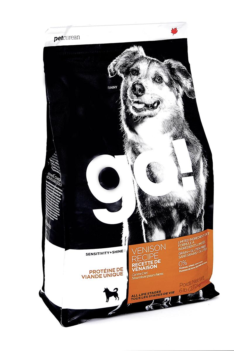 Корм сухой GO! для щенков и собак с чувствительным пищеварением, беззерновой, с олениной, 2,72 кг10330Сухой корм GO! предназначен для щенков и собак. Первоклассная оленина в составе корма является единственным источником мяса. Отлично подходит для всех пород, для собак с особыми диетическими потребностями и пищевой чувствительности. Ключевые преимущества: - единственный источник белка - мясо оленя, - полностью беззерновой, - прибиотики и пробиотики нормализуют работу кишечника и улучшают работу пищеварительной системы, - жирные Омега кислоты - здоровье и блеск шерсти, - поддержка иммунной системы за счет фруктов и овощей, богатых антиоксидантами, - полное отсутствие субпродуктов, ГМО, искусственных консервантов, глютена, говядины, пшеницы, кукурузы и сои. Состав: филе свежей оленины, свежее мясо оленя, тапиока, горошек, чечевица, нут, масло канолы (консервированный смесью токоферолов), высушенный корень цикория, хлорид натрия, хлорид калия, хлорид холина, витамины (витамин А, витамин D3 добавки , витамин Е, инозитол, ниацин, L-аскорбил-2-полифосфат (источник витамина С), пантотенат д-кальция, тиамина мононитрат, бета-каротин, рибофлавин, пиридоксин гидрохлорид, фолиевая кислота, биотин, витамин В12) , минералы (протеинат цинка, железа протеинат, меди протеинат, оксид цинка, протеинат марганца, сульфат меди, сульфат железа, йодат кальция, оксид марганца, селена дрожжи), DL-метионин, L-лизин, розмарин.Гарантированный анализ: белки (min) - 22%, жиры (min) - 12%, клетчатка (max) - 4,5%, влага (max) - 10%, кальций (min) - 1,1%, фосфор (min) - 0,8%, жирные кислоты Omega 6 (min) - 2,5%, жирные кислоты Omega 3 (min) - 0,5%.Калорийность: 4022 ккал/кг.Вес: 2,72 кг. Товар сертифицирован.