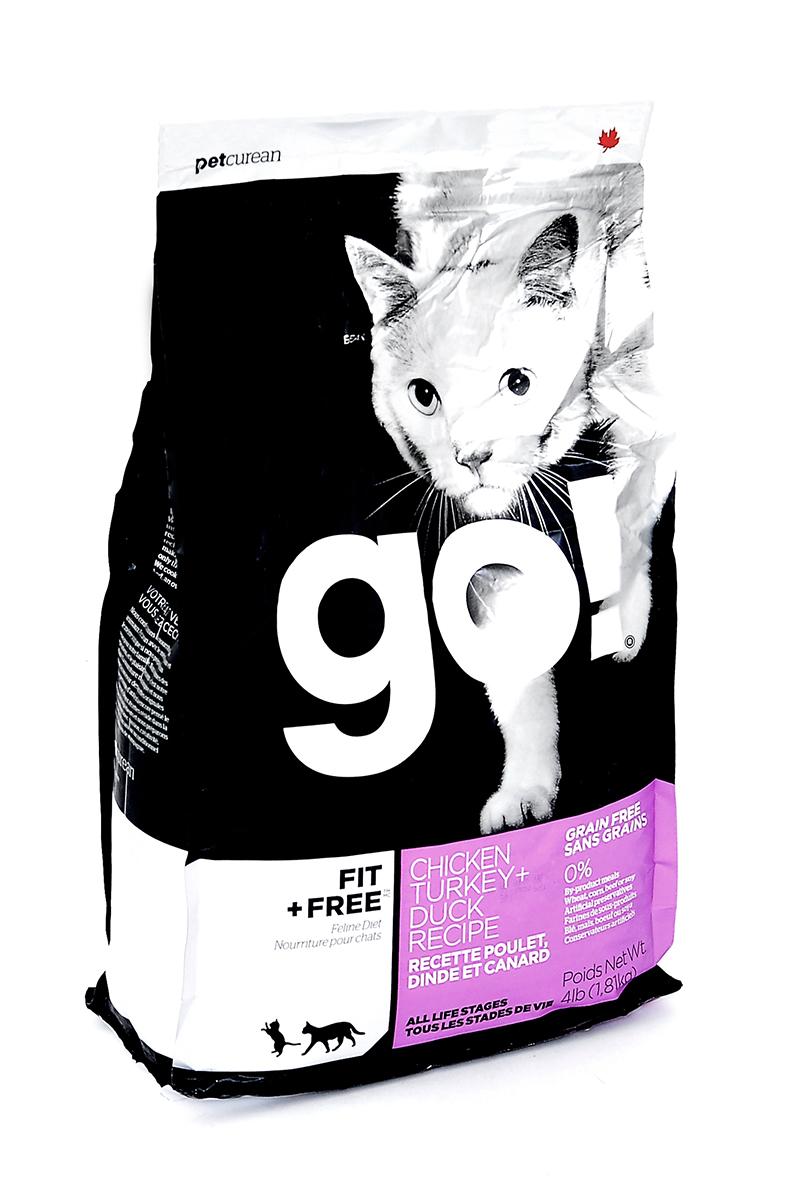 Корм сухой Go! для кошек и котят, беззерновой, с курицей, индейкой, уткой и лососем, 1,81 кг0120710Беззерновой сухой корм Go! для котят и кошек - это корм со сбалансированным содержание белков и жиров. Ключевые преимущества:- Полностью беззерновой,- Небольшое количество углеводов гарантирует поддержание оптимального веса кошки,- Пробиотики и пребиотики обеспечивают здоровое пищеварение,- Не содержит субпродуктов, красителей, говядины, мясных ингредиентов, выращенных на гормонах,- Таурин необходим для здоровья глаз и нормального функционирования сердечной мышцы,- Докозагексаеновая кислота (DHA) и эйкозапентаеновая кислота (EPA) необходима для нормальной деятельности мозга и здорового зрения,- Омега-масла в составе необходимы для здоровой кожи и шерсти,- Антиоксиданты укрепляют иммунную систему.Состав: свежее мясо курицы, филе курицы, филе индейки, утиное филе, свежее мясо индейки, свежее мясо лосося, филе форели, куриный жир (источник витамина Е), натуральный рыбный ароматизатор, горошек, картофель, свежие цельные яйца, картофельная мука, тапиока, филе лосося, филе утки, масло лосося, тыква, яблоки, морковь, бананы, черника, клюква, чечевица, брокколи, шпинат, творог, люцерна, сладкий картофель, ежевика, папайя, ананас, фосфорная кислота, хлорид натрия, хлорид калия, DL-метионин, таурин, холин хлорид, сушеный корень цикория, Lactobacillus, Enterococcusfaecium, Aspergillus, витамины (витамин А , Витамин D3, витамин Е, никотиновая кислота, инозит, L-аскорбил-2-полифосфатов (источник витамина С), тиамина мононитрат, D-пантотенат кальция, рибофлавин, пиридоксин гидрохлорид, бета-каротин, фолиевая кислота, биотин, витамин В12), минералы (цинка протеинат, железа протеинат, меди протеинат, оксид цинка, марганца протеинат, сульфат меди, йодат кальция, сульфат железа, оксид марганца, селенит натрия), экстракт юкка Шидигера, дрожжевой экстракт, сушеный розмарин.Гарантированный анализ: белки 48%, жиры 15%, клетчатка 1,5%, влажность (max) 10%, зола (max) 9%, фосфор 1,1%, магний 