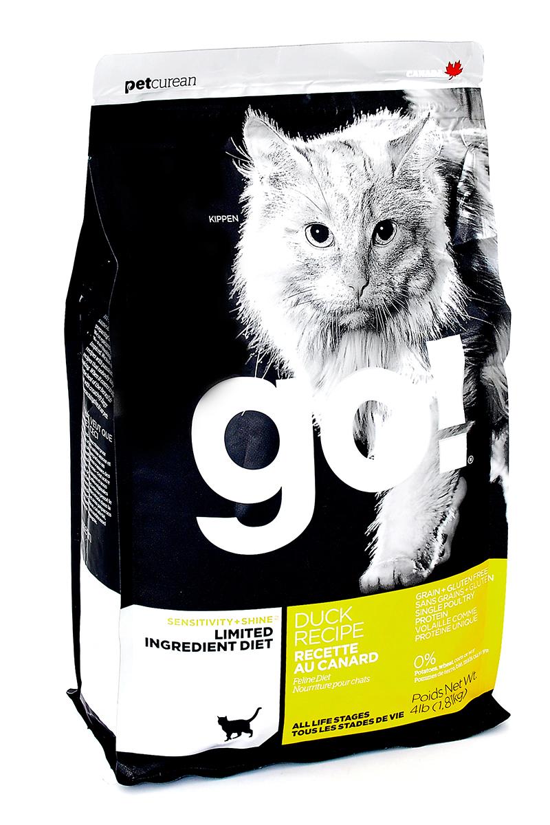 Корм сухой Go! для кошек и котят с чувствительным пищеварением, беззерновой, с уткой, 1,82 кг0120710Беззерновой сухой корм Go! для котят и кошек - это полностью сбалансированный корм, в составе которого используется утка в качестве единственного источника белка. Корм разработан специально для кошек с особыми диетическими потребностями и пищевой чувствительностью.Состав: филе утки, дегидрированное мясо утки, яичный порошок, горох, гороховая клетчатка, тапиока, чечевица, нут, куриный жир (с Витамином Е в качестве консерванта), льняное семя, натуральный ароматизатор, хлорид натрия, хлорид холина, карбонат кальция, высушенный корень цикория, фосфорная кислота, хлорид калия, витамины (витамин А, витамин D3 добавки, витамин Е, ниацин, инозит, L-аскорбил-2-полифосфат (источник витамина С), тиамин мононитрат, пантотенат d-кальция, рибофлавин, пиридоксин гидрохлорид, бета-каротин, фолиевая кислота, биотин, витамин В12), минералы (протеинат цинка, железа протеинат, меди протеинат, оксид цинка, марганца протеинат, сульфат меди, йодат кальция, сульфат железа, оксид марганца, селенит натрия), продукт ферментации высушенных Lactobacillus acidophilus, продукт ферментации высушенных Lactobacillus casei, таурин, розмарин. Гарантированный анализ: белки (min) 31%, жиры (min) 15%, клетчатка (max) 3,5%,влага (max) 10%, зола (max) 7,5%, магний (max) 0,1%, Omega 6 (min) 2,5%, Omega 3 (min) 0,50%.Калорийность: 4222 ккал/кг.Вес: 1,82 кг.Товар сертифицирован.