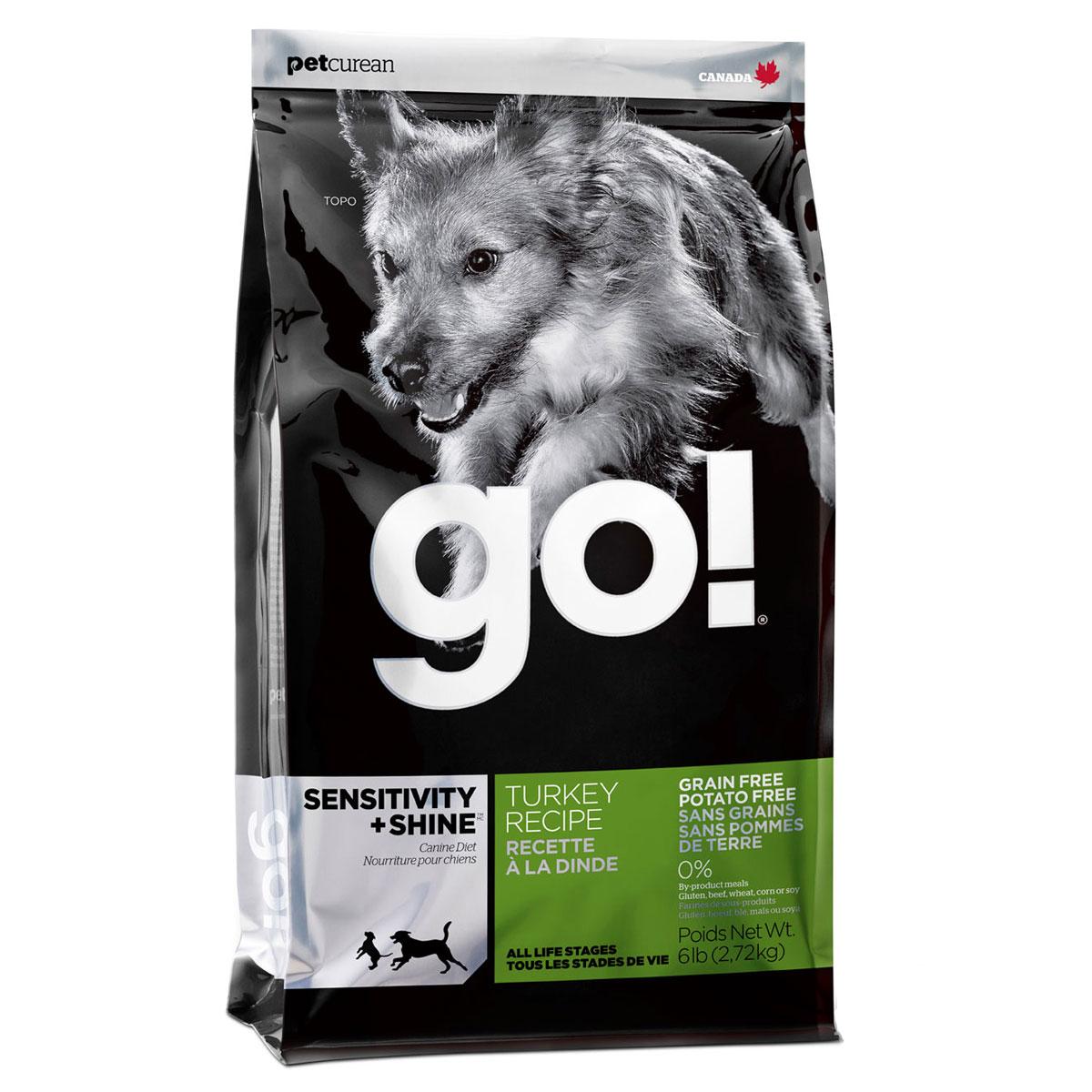 Корм сухой GO! для щенков и собак с чувствительным пищеварением, беззерновой, с индейкой, 2,72 кг10221Сухой корм GO! предназначен для щенков и собак. В качестве основного источника углеводов используется чечевица, а не картофель, поэтому корм идеально подходит для собак чувствительных к картофелю (крахмалу) или при беззерновой диете. Основным источником белка является мясо индейки, что отлично подходит для собак с пищевой аллергией.Ключевые преимущества: - единственный источник белка - мясо индейки, - полностью беззерновой, - прибиотики и пробиотики нормализуют работу кишечника и улучшают работу пищеварительной системы, - жирные Омега кислоты - здоровье и блеск шерсти, - поддержка иммунной системы за счет фруктов и овощей, богатых антиоксидантами, - полное отсутствие субпродуктов, ГМО, искусственных консервантов, глютена, говядины, пшеницы, кукурузы и сои. Состав: свежее мясо индейки, филе индейки, горох, тапиока, каноловое масло (с Витамином Е в качестве консерванта), яичный порошок, гороховая клетчатка, натуральный ароматизатор, чечевица, хлорид калия, тыква, морковь, бананы, черника, клюква, брокколи, ежевика, папая, ананас, шпинат, домашний творог, сухие водоросли, сушеный корень цикория, холин хлорид, лецитин, Lactobacillus acidophilus, Enterococcus faecium, Aspergillus niger, Aspergillus oryzae, витамины (витамин А, витамин D3, витамин Е, инозитол, ниацин, L-аскорбил-2-полифосфатов (источник витамина С), D-пантотенат кальция, мононитрат тиамина, бета-каротин, рибофлавин, пиридоксин гидрохлорид, фолиевая кислота , биотин, витамин В12), минералы (цинк метионин комплекс, протеинат цинка, протеинат железа, протеинат меди, оксид цинка, протеинат марганца, сульфат меди, сульфат железа, йодат кальция, оксид марганца, селена, дрожжи), хлорид натрия, таурин, экстракт Юкка Шидигера, сушеный розмарин, дрожжевой экстракт. Гарантированный анализ: белки (min) - 30%, жиры (min) - 16%, клетчатка (max) - 3%, влага (max) - 10%, кальций (min) - 1,8%, фосфор (min) - 0,9%, жирные 