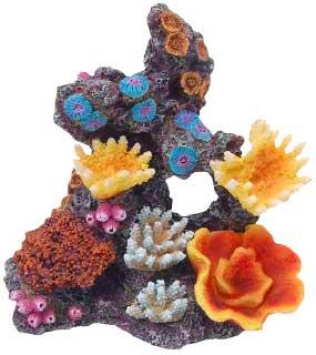 Декорация КОРАЛЛЫ НА РИФЕ 15х11х14см0120710Красочные разнообразные кораллы на массивном основании-рифе. Комбинации из различных кораллов на рифах создают в аквариуме пеструю и экзотическую картину морского дна.