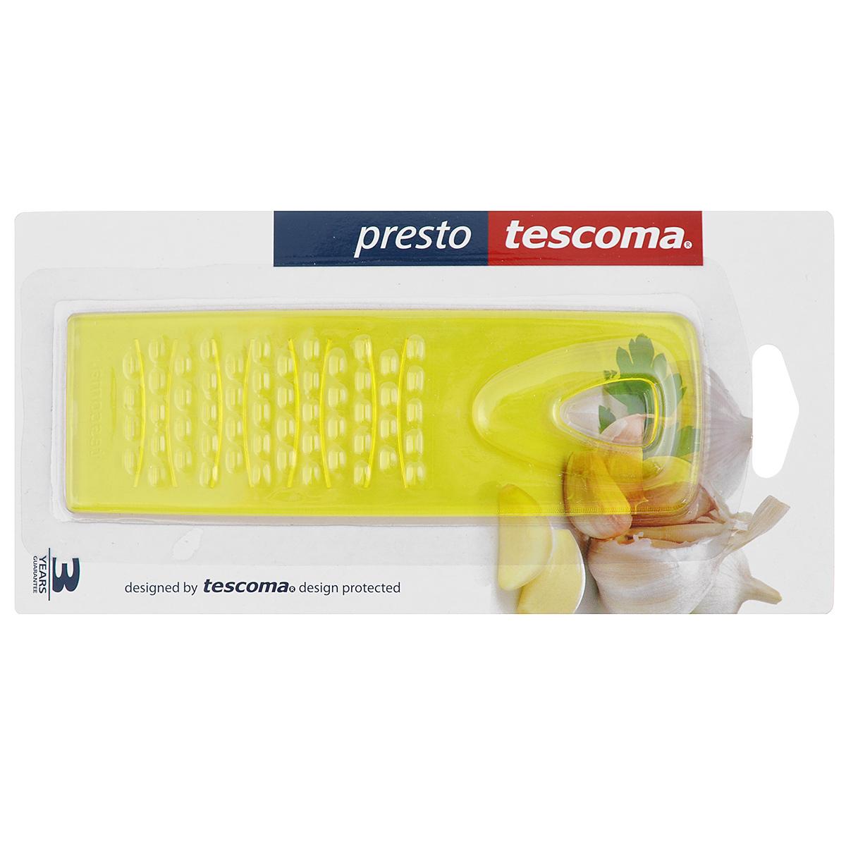 Прибор для измельчения Tescoma Presto, универсальный, цвет: желтый420196Универсальный прибор Tescoma Presto, изготовленный из цветного пластика, отлично подходит для измельчения чеснока, яблок, мелкого трения моркови, имбиря и много другого. Изделие оснащено двумя типами трущих поверхностей: с зубцами для универсального пользования и дугами для очень мелкого натирания чеснока. Прибор Tescoma Presto станет прекрасным дополнением вашей коллекции кухонных аксессуаров! Можно мыть в посудомоечной машине. Размер: 5 см х 15 см х 0,4 см.