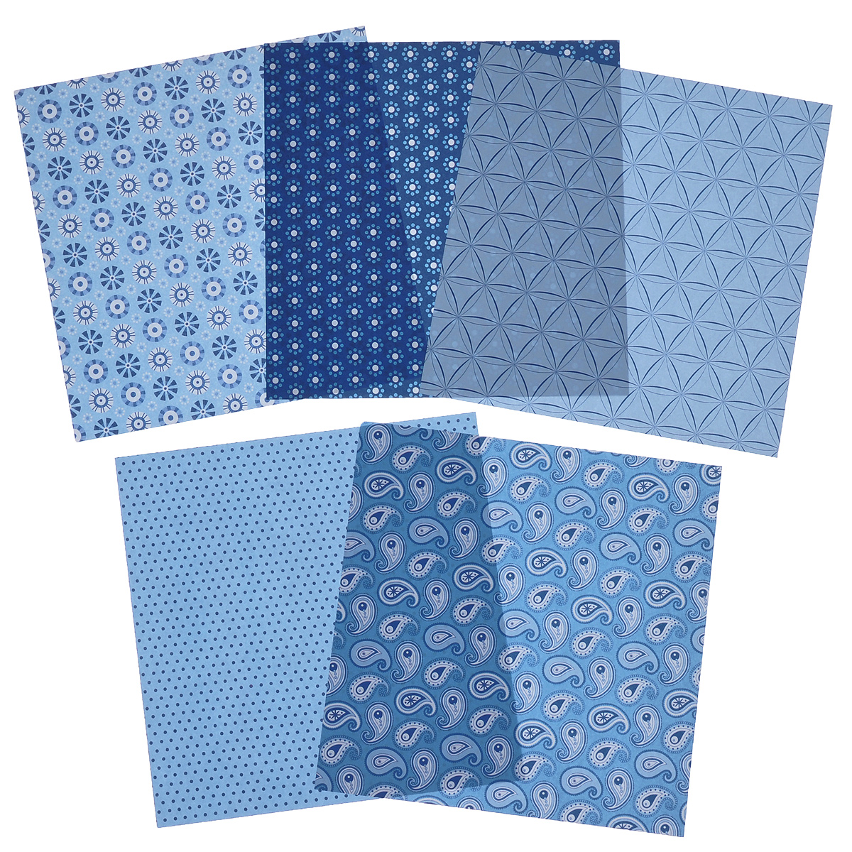 Бумага для оригами Folia, цвет: голубой, 15 см х 15 см, 50 листовRSP-202SНабор специальной цветной двусторонней бумаги для оригами Folia содержит 50 листов разных цветов, которые помогут вам и вашему ребенку сделать яркие и разнообразные фигурки. В набор входит бумага пяти разных дизайнов. С одной стороны - бумага однотонная, с другой - оформлена оригинальными узорами и орнаментами. Эти листы можно использовать для оригами, украшения для садового подсвечника или для создания новогодних звезд. При многоразовом сгибании листа на бумаге не появляются трещины, так как она обладает очень высоким качеством. Бумага хорошо комбинируется с цветным картоном.За свою многовековую историю оригами прошло путь от храмовых обрядов до искусства, дарящего радость и красоту миллионам людей во всем мире. Складывание и художественное оформление фигурок оригами интересно заполнят свободное время, доставят огромное удовольствие, радость и взрослым и детям. Увлекательные занятия оригами развивают мелкую моторику рук, воображение, мышление, воспитывают волевые качества и совершенствуют художественный вкус ребенка.Плотность бумаги: 80 г/м2.Размер листа: 15 см х 15 см.