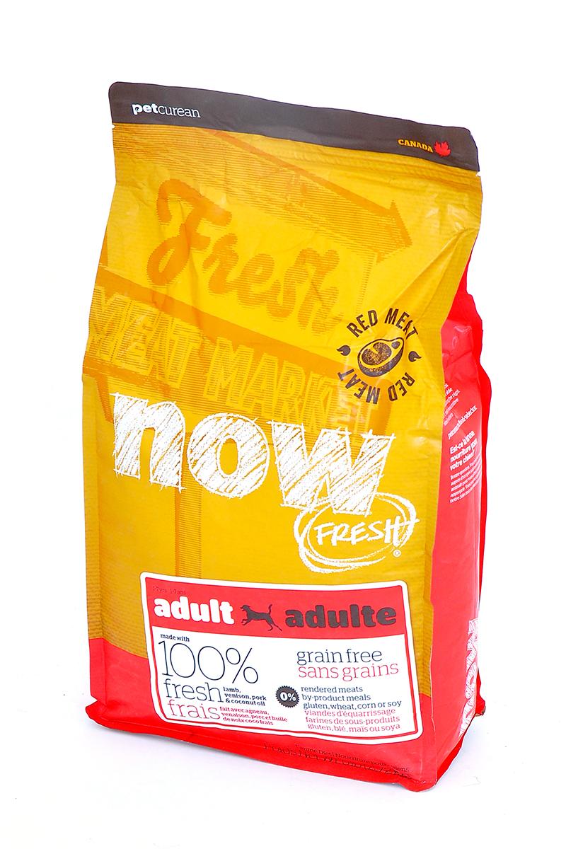 Корм сухой Now Fresh для взрослых собак, беззерновой, с олениной и ягненком, 2,72 кг10333Корм сухой Now Fresh для взрослых собак изготовлен из 100% свежего ягненка и оленины, а так же обогащен маслами кокосового ореха и рапса. Полностью сбалансированный холистик корм из филе ягненка и оленины, выращенных на канадских фермах, для взрослых собак всех пород.Ключевые преимущества: - содержит только свежее мясо(питомец получает белок высокого качества, который быстро усваивается организмом), - первый беззерновой корм со сбалансированным содержанием белков и жиров,- содержит пре- и пробиотики, антиоксиданты, а также жизненно необходимые кислоты омега-3 и омега-6. Состав: свежее филе ягненка, цельные сушеные яйца, картофель, картофельная мука, горох,гороховая мука, свежее филе оленя, филе свинины, яблоки, семена льна, рапсовое масло (источник витамина Е), натуральный ароматизатор, кокосовое масло (источник витамина Е), сладкий картофель, карбонат кальция, дикальция фосфат, люцерна, томат, морковь, тыква, кабачок, бананы, черника, клюква, ежевика, гранат, папайя, чечевица, брокколи, сушеный корень цикория, хлорид натрия, хлорид калия, хлорид холина, витамины (витамин А, витамин D3, витамин Е, инозитол, ниацин, L-аскорбил-2-полифосфатов (источник витамина С), D-пантотенат кальция, мононитрат тиамина, бета-каротин, рибофлавин, пиридоксина гидрохлорид, фолиевая кислота, биотин, витамин В12), минералы (цинка протеинат, железа протеинат, меди протеинат, оксид цинка, марганца протеинат, сульфат меди, сульфат железа, йодат кальция, оксид марганца, дрожжи селена), таурин, DL-метионин, L-лизин, Лактобактерии, Энтерококки, L-карнитин, сушеный розмарин. Гарантированный анализ: белки - 24%, жиры - 16%, клетчатка - 4%, влажность - 10%, кальций - 1,1%, фосфор - 0,6%, жирные кислоты Омега 6 - 2,2%, жирные кислоты Омега 3 - 0,4%. Калорийность: 3701 ккал/кг. Вес: 2,72 кг. Товар сертифицирован.