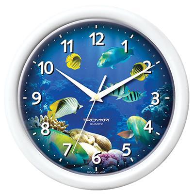 Часы настенные Troyka, цвет: белый. 21210223300074_ежевикаНастенные кварцевые часы Troyka с изображением обитателей подводного мира, изготовленные из пластика, прекрасно подойдут под интерьер вашего дома. Круглые часы имеют три стрелки: часовую, минутную и секундную, циферблат защищен прозрачным пластиком.Диаметр часов: 24,5 см.Часы работают от 1 батарейки типа АА напряжением 1,5 В. Внимание! Часы укомплектованы бесплатным тестовым элементом питания для обеспечения их работоспособности при предпродажной подготовке и демонстрации рабочих функций.