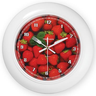 Часы настенные Troyka, цвет: белый. 71711262300074_ежевикаНастенные кварцевые часы Troyka с изображением земляники, изготовленные из пластика, прекрасно подойдут под интерьер вашего дома. Круглые часы имеют три стрелки: часовую, минутную и секундную, циферблат защищен прозрачным пластиком. Стрелки выполнены в виде ножа и вилки.Диаметр часов: 30 см.Часы работают от 1 батарейки типа АА напряжением 1,5 В. Внимание! Часы укомплектованы бесплатным тестовым элементом питания для обеспечения их работоспособности при предпродажной подготовке и демонстрации рабочих функций.