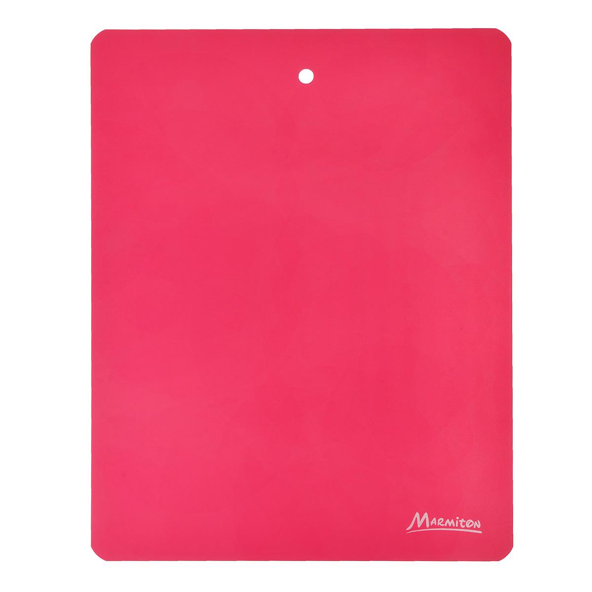 Доска разделочная Marmiton, гибкая, цвет: красный, 28 х 22 см17025_красныйГибкая разделочная доска Marmiton прекрасно подходит для разделки всех видов пищевых продуктов. Изготовлена из гибкого одноцветного пластика для удобства переноски и высыпания. Изделие оснащено отверстием для подвешивания на крючок.Можно мыть в посудомоечной машине.