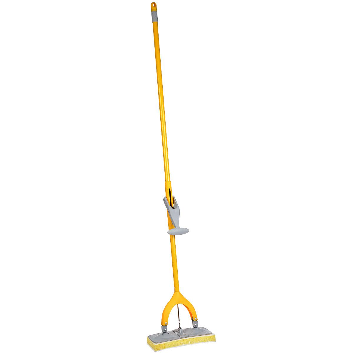 Поломой Apex Squizzo, с отжимом, цвет: серый, желтыйVCA-00Поломой Apex Squizzo предназначен для уборки в доме. Насадка, изготовленная из поролона, крепится к стальной трубке. Насадка имеет специальную форму, которая позволяет легко и качественно мыть полы. Специальная система отжима позволяет отжимать воду более эффективно, чем вручную.Размер рабочей поверхности: 27 х 9,5 см.Длина ручки: 135 см.