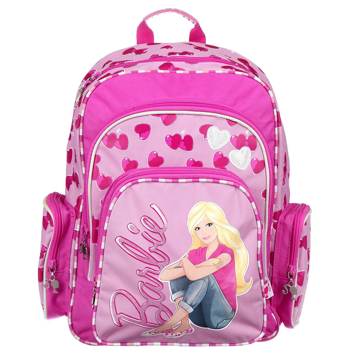 Рюкзак школьный Barbie, цвет: розовый. BRM-11T-96278408/80Школьный рюкзак Barbie привлечет внимание вашей школьницы. Изделие выполнено из прочного и высококачественного материала.Содержит одно вместительное отделение, внутри которого находятся две жесткие перегородки для тетрадей или учебников и открытый карман-сетка. Дно рюкзака можно сделать жестким, разложив специальную панель с пластиковой вставкой, что повышает сохранность содержимого рюкзака и способствует правильному распределению нагрузки. Спинка рюкзака изготовлена из высокотехнологичного водонепроницаемого упругого материала. Специально разработанная архитектура спинки со стабилизирующими набивными элементами повторяет естественный изгиб позвоночника. Набивные элементы обеспечивают вентиляцию спины ребенка. Мягкие широкие лямки позволяют легко и быстро отрегулировать рюкзак в соответствии с ростом. Рюкзак оснащен текстильной ручкой для переноски в руке. Светоотражающие элементы обеспечивают безопасность в темное время суток.Многофункциональный школьный рюкзак станет незаменимым спутником вашего ребенка в походах за знаниями.
