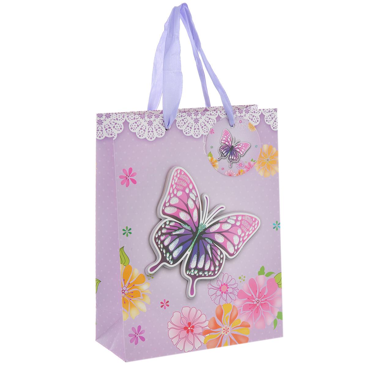 Пакет подарочный Сиреневая бабочка, 18 х 8 х 24 см7706832_212Дизайнерский подарочный пакет Сиреневая бабочка выполнен из плотной бумаги, оформлен цветочным рисунком и аппликацией в виде бабочки, покрытой сверкающими блестками. Дно изделия укреплено плотным картоном, который позволяет сохранить форму пакета и исключает возможность деформации дна под тяжестью подарка. Для удобной переноски имеются две атласные ручки.Подарок, преподнесенный в оригинальной упаковке, всегда будет самым эффектным и запоминающимся. Окружите близких людей вниманием и заботой, вручив презент в нарядном праздничном оформлении.