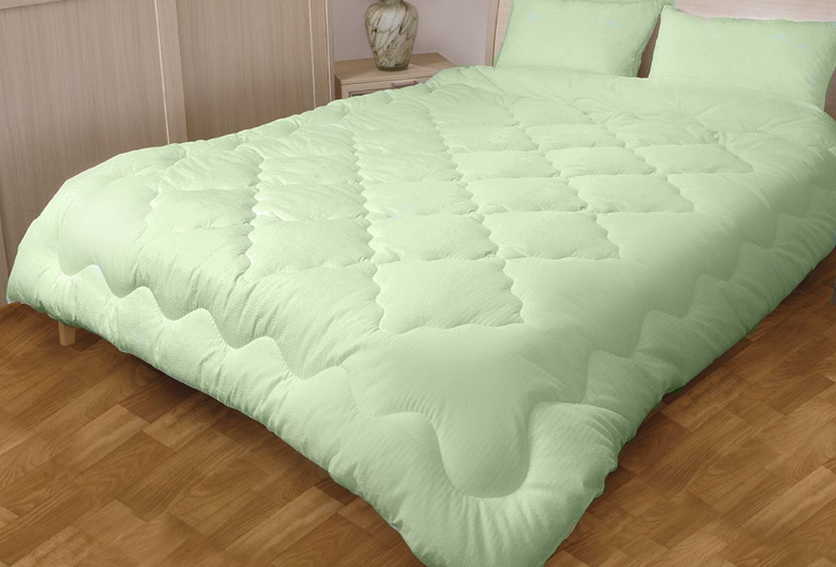 Одеяло Primavelle EcoBamboo, 200 х 220 смCLP446Одеяло Primavelle EcoBamboo подарит вам здоровый и комфортный сон. Одеяло выполнено из экологически чистого волокна бамбука, которое придает ему необычайную мягкость илегкость! Прикасаясь к постельным принадлежностям из бамбука, можно снять напряжение, расслабиться и полноценно отдохнуть.Бамбук является природным антисептиком, обладающим уникальными бактерицидными и дезодорирующими свойствами. Учеными доказано, что даже после долговременного использования изделия из бамбукового волокна препятствуют росту микроорганизмов. Ваша постель будет надежно защищена от возникновения бактерий и запахов. Лабораторные исследования показали, что температура бамбукового волокна на несколько градусов ниже, чем у других натуральных материалов. Его пористая структура способствует процессу воздухообмена, сохраняя прохладу и регулируя теплообмен. Миру давно известна высокая прочность бамбукового волокна. Неслучайно, еще в Древнем Китае этот материал использовали вместо бумаги для рукописей, которые прекрасно сохранились и по сей день. Поэтому одеяло имеет высокую износостойкость и будет долго радовать вас своими свойствами. Ухаживать за одеялом просто. Его можно стирать в обычной стиральной машине, на деликатном режиме, применяя щадящие моющие средства.Состав: -ткань: 100% хлопок;-наполнитель: 70% волокно бамбука, 30% полиэфир.