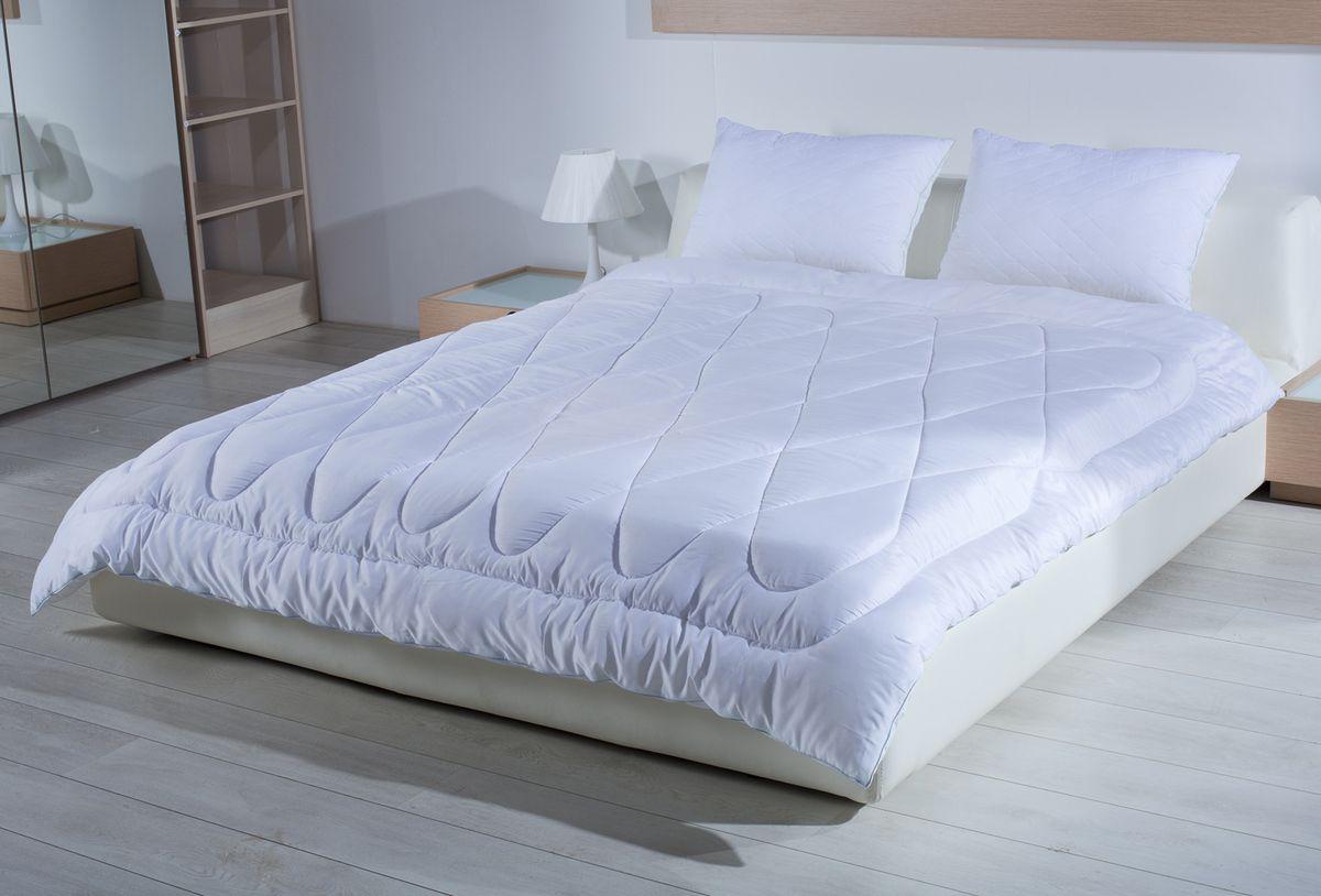 Одеяло Primavelle Silver Comfort, 200 х 220 смS03301004Одеяло Primavelle Silver Comfort создано для тех, кто по-настоящему хочет позаботиться о своем здоровье и насладиться крепким сном.В состав наполнителя входят ионы серебра, которые обладают уникальными оздоравливающими свойствами: - помогают бороться со стрессом- лечат бессонницу- дарят комфортный сон.К тому же одеяло обладает свойствами терморегуляции. Постельные принадлежности с серебром обеспечивают оптимальный температурный режим в любую погоду. Низкая излучающая способность серебра приводит к тому, что постель гораздо дольше сохраняет тепло. Чехол выполнен из дамаст-сатина, которой не только надежно удерживает наполнитель внутри, но и обладает отличной гигиеничностью и гигроскопичностью. Состав:-ткань: дамаст-сатин (100% хлопок);-наполнитель: микроволокно с ионами серебра (100% полиэстер).