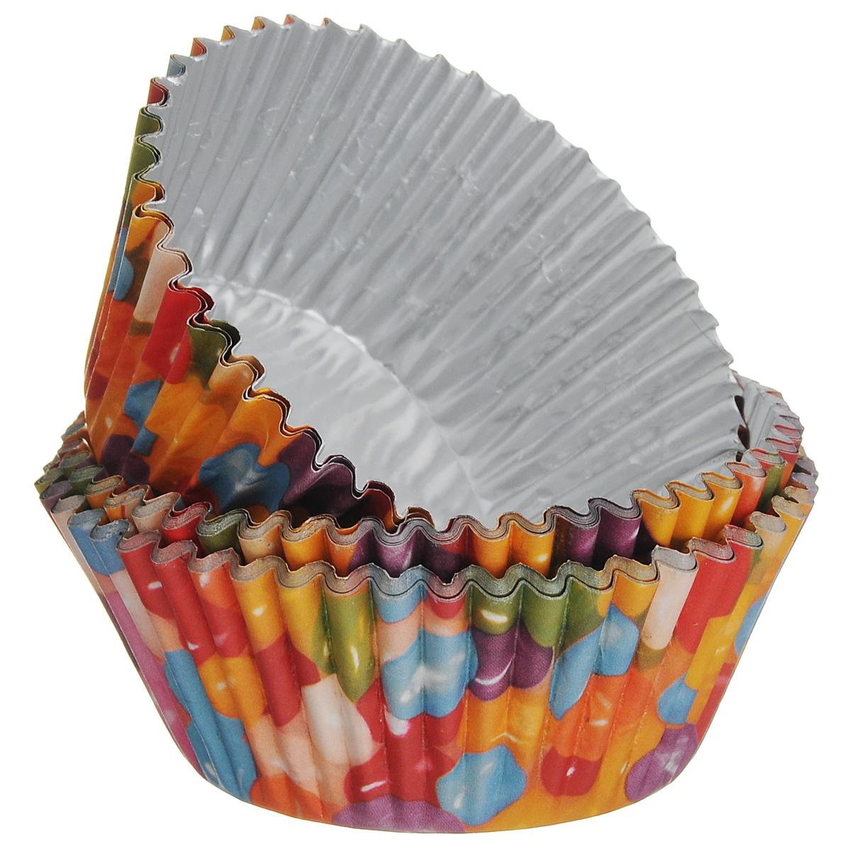 Набор бумажных форм для кексов Wilton Веселая фасоль, диаметр 7 см, 36 штFS-91909Набор Wilton Веселая фасоль состоит из 36 бумажных форм для кексов. Они предназначены для выпечки и упаковки кондитерских изделий, также могут использоваться для сервировки орешков, конфет и другого. Внутри формы оснащены специальным фольгированным вкладышем, благодаря которому изделия не требуют предварительной смазки маслом или жиром. Гофрированные формы идеальны для выпечки кексов, булочек и пирожных.Высота стенки: 3 см. Диаметр (по верхнему краю): 7 см.Диаметр дна: 5 см.
