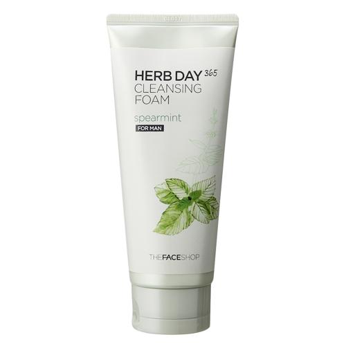 The Face Shop очищающее средство с экстрактом мяты для мужчин Herb Day 365, 170 млFS-00897Мята - Содержит до 2,5% эфирного масла. Благодаря высокому содержанию ментола имеет антибактериальный эффект: подавляет жизнедеятельность бактерий. Обладает достаточно сильным противовоспалительным и антисептическими свойствами. Пенка подходит для мужчин и для женщин. Средство содержит экстракты 9-ти трав и мяты, очищает поры, обладает охлаждающим эффектом и очищает кожу от накопившихся токсинов.
