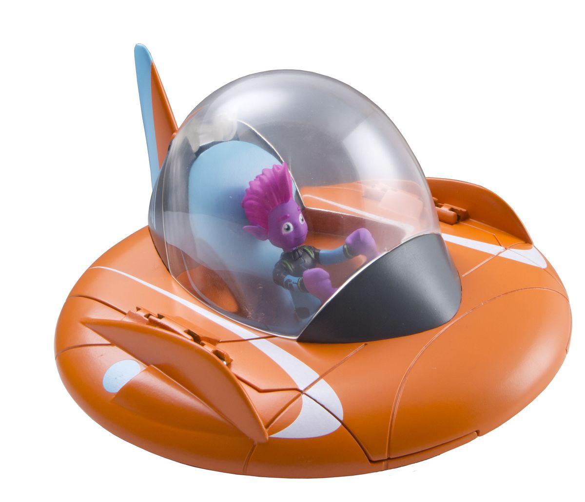 """Летающая тарелка """"Miles from Tomorrowland"""" оранжевого цвета может трансформироваться в планетоход: у нее складываются боковые плоскости и выдвигаются шасси, которые позволяют передвигаться по любой поверхности. Фигурка Пипа входит в комплект. Маленький розовый инопланетянин очень органично смотрится за штурвалом своего летательного аппарата. Порадуйте своего ребенка любимым персонажем из мультфильма, и он поразит вас полетом и новыми приключениями хорошо знакомых героев."""