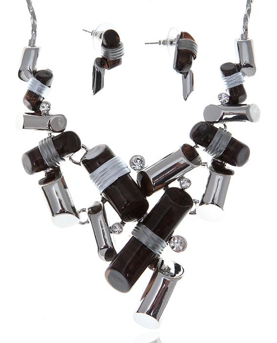 Комплект Джаз: ожерелье и серьги-пусеты. Ювелирный пластик черного цвета, прозрачные кристаллы, бижутерный сплав серебряного тона. Гонконг, 2000-е гг.Ожерелье (короткие многоярусные бусы)Комплект Джаз: ожерелье и серьги-пусеты.Ювелирный пластик черного цвета, прозрачные кристаллы, бижутерный сплав серебряного тона.Гонконг, 2000-е гг.Размер:Ожерелье - полная длина 40-49 см, регулируется за счет застежки-цепочки.Серьги - 2 х 1 см.Сохранность превосходная, изделие не было в использовании.