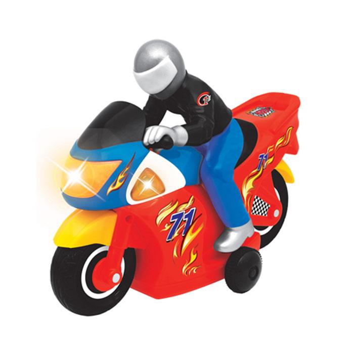 """Развивающая игрушка Kiddieland """"Гонщик"""" с пультом управления, звуковыми и световыми эффектами станет отличным подарком любому мальчишке. Красочный мотоцикл с помощью пульта дистанционного управления может двигаться вперед, назад, разворачиваться на 360°! Мотоцикл издает звуки работающего двигателя и звуки гудка, что делает игру еще более реалистичной. Игрушка способствует развитию мелкой моторики, слухового и зрительного восприятия, координации движений. Рекомендуемый возраст: от 18 месяцев. Питание: 5 батарейки типа АА (входят в комплект)."""