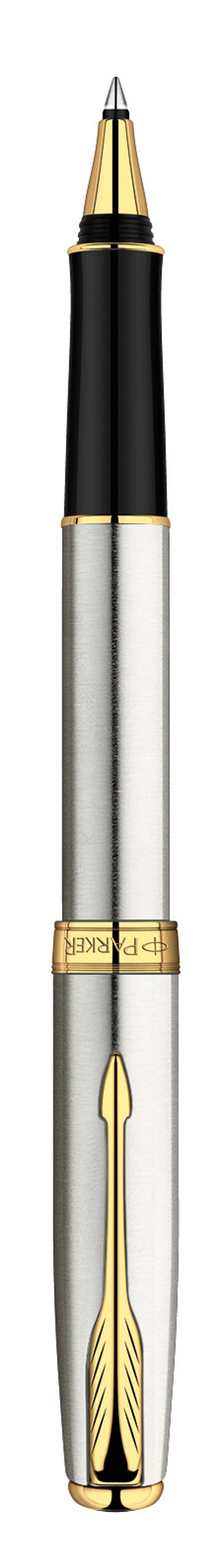Parker Ручка-роллер Sonnet Stainless Steel GTPARKER-S0809130Данная ручка – это истинный образец неповторимой утонченности и чарующей элегантности. Яркий металлический блеск в сочетании с мерцающим сиянием золота приносит в образ волнующую изысканность. Тип: Ручка-роллер со съемным колпачком Толщина пишущего узла: Средний (М) Корпус: Нержавеющая сталь Отделка: Позолота 23 К Механизм: съемный колпачок Цвет корпуса: серебряный, стальной Отделка: золотой цвет Толщина корпуcа: стандартная