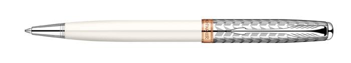 Ручка шариковая Sonnet Metal & Pearl CT. PARKER-S0947340FS-00103Ручка шариковая «Паркер Соннет Метал анд Перл Си Ти». Инструмент для письма, линия письма – средняя, цвет чернил – черный, в подарочной упаковке. Произведено во Франции.