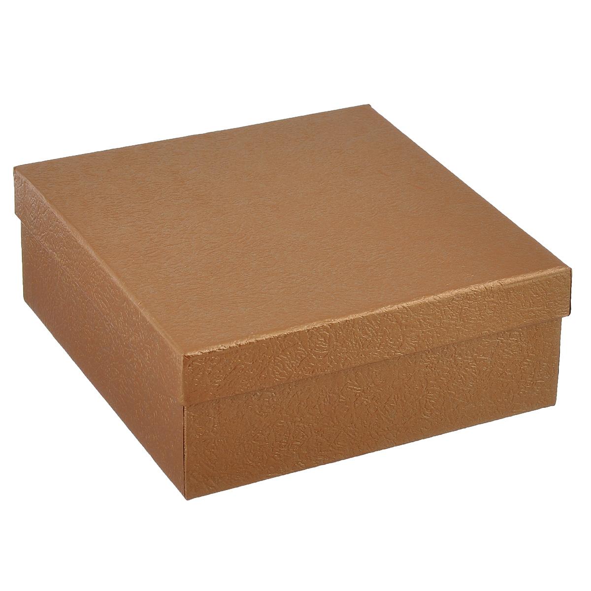 Подарочная коробка Феникс-презент, цвет: золотистый, 16 см х 16 см х 6,3 см66821_5Подарочная коробка Феникс-презент выполнена из мелованного, негофрированного картона. Коробка вместительная, закрывается крышкой.Подарочная коробка - это наилучшее решение, если вы хотите порадовать ваших близких и создать праздничное настроение, ведь подарок, преподнесенный в оригинальной упаковке, всегда будет самым эффектным и запоминающимся. Окружите близких людей вниманием и заботой, вручив презент в нарядном, праздничном оформлении.