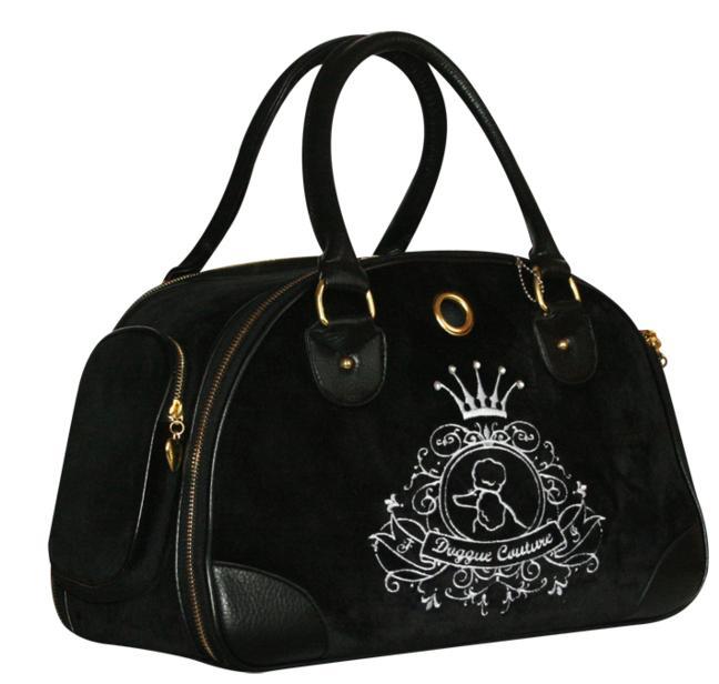 Сумка-переноска ALLEGRA SILVER0120710Сумка-переноска из черной ткани с вышивкой и стразами. Детали сумки из черного кожезаменителя. Окошко с сеткой, дополнительный карман на молнии. Внутри вшит поводок для крепления ошейника.