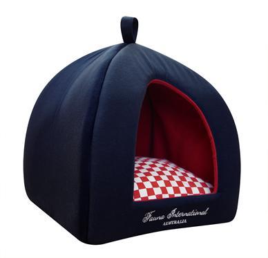 Домик для кошки JUBILEE RED 35х35х40см2182Домик из плотного темно-синего хлопка с двусторонней (клечатая/красная) подушкой и фирменной вышивкой. Отделан внутри мягким красным мехом.