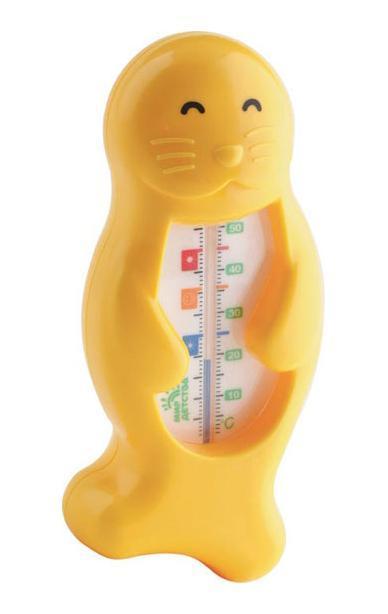 Термометр для воды Тюлень, от 0 месяцев68/5/3Имеет удобную шкалу с отметкой оптимальной температуры для купания малыша – 37°С – в виде значка с улыбающимся личиком. Может также использоваться для измерения температуры воздуха. Не содержит ртути.
