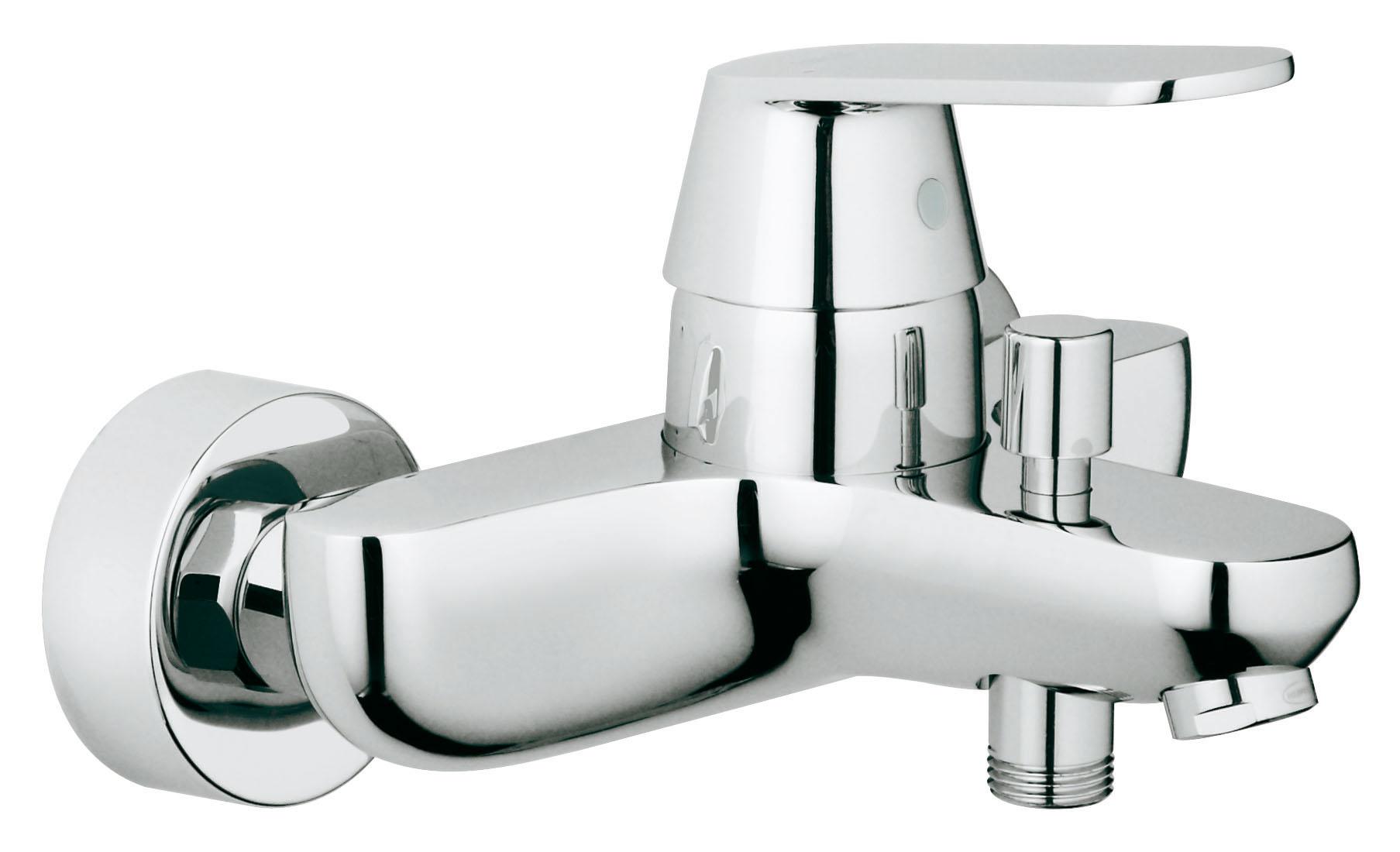 Смеситель для ванны GROHE Eurosmart Cosmopolitan (32831000)68/5/3Настенный монтаж Металлический рычаг GROHE SilkMove керамический картридж O 46 мм GROHE StarLight хромированная поверхностьРегулировка расхода воды Возможность установки мин. расхода 2,5 л/мин. Автоматический переключатель: ванна/душ Встроенный обратный клапан в душевом отводе 1/2? Аэратор Скрытые S-образные эксцентрики Дополнительный ограничитель температуры (46 308 000) С защитой от обратного потока Класс шума I по DIN 4109 Видео по установке является исключительно информационным. Установка должна проводиться профессионалами! Характеристики:Материал: металл. Цвет: хром. Количество монтажных отверстий: 2. Размер упаковки: 20 см x 18 см x 16 см. Артикул: 32831000.