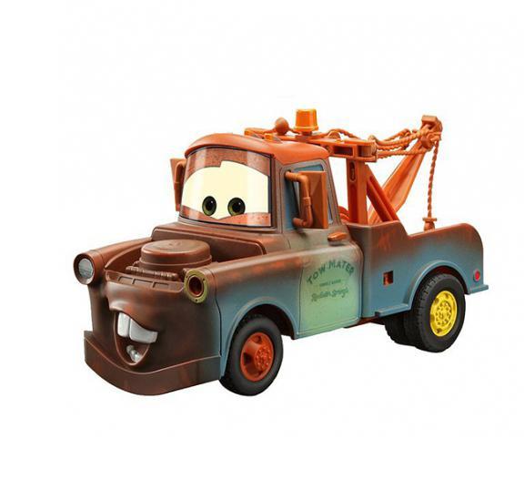 Dickie Cars 3089507 Mater - такого Мэтра вы еще не видели. Он просто огромен. Под капотом скрывается арсенал оружия со стреляющими ракетами, а по бокам дверей расположены световые пушки со звуковыми эффектами. Ваш ребенок часами будет играть с моделью, придумывая различные истории и устраивая соревнования.
